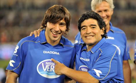 Lavezzi benedetto da Maradona